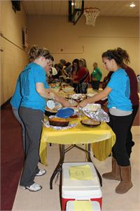KEY Club Serves Senior Citizens Thanksgiving Dinner