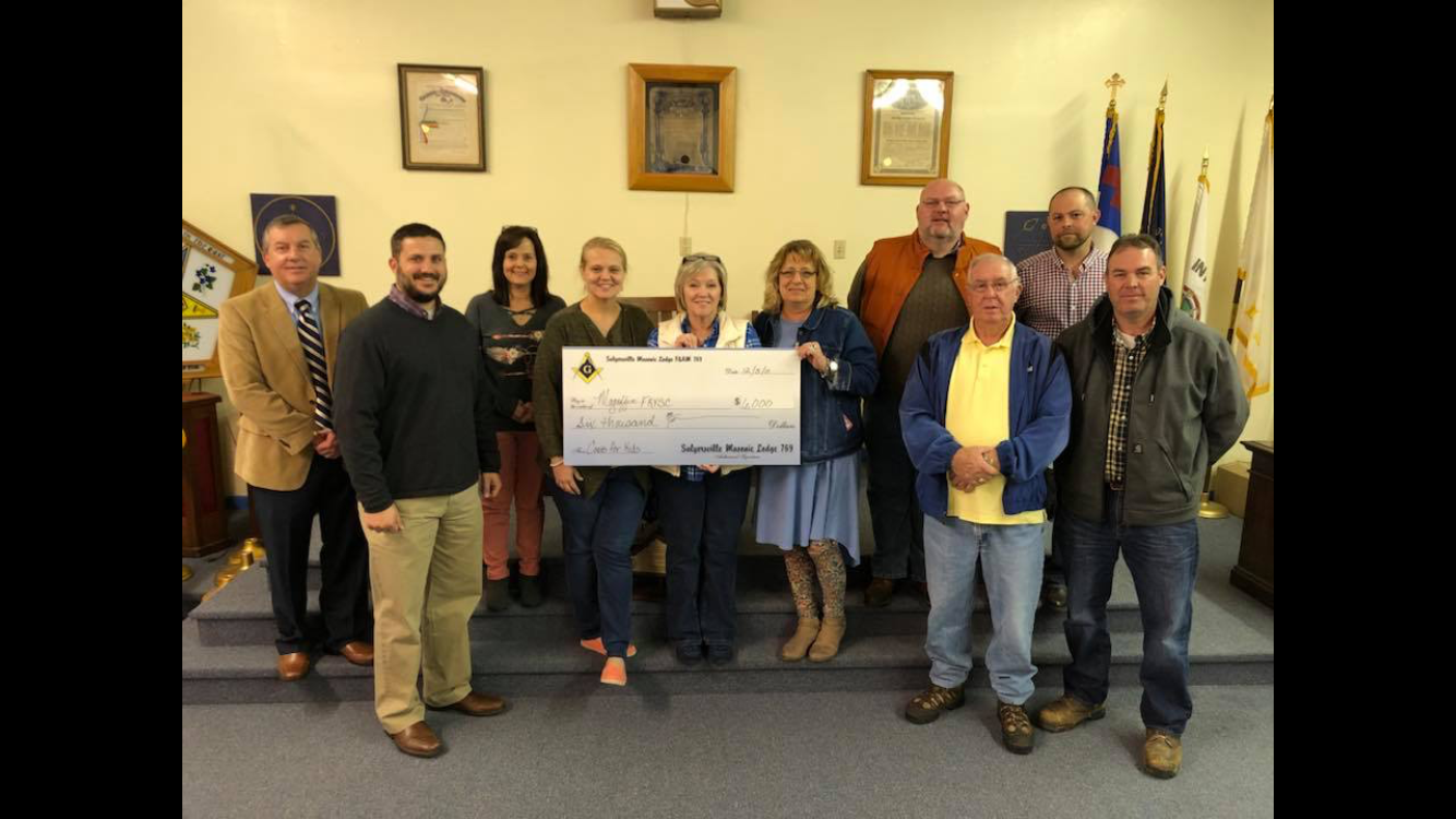 Masons Donate $6,000 to local school students
