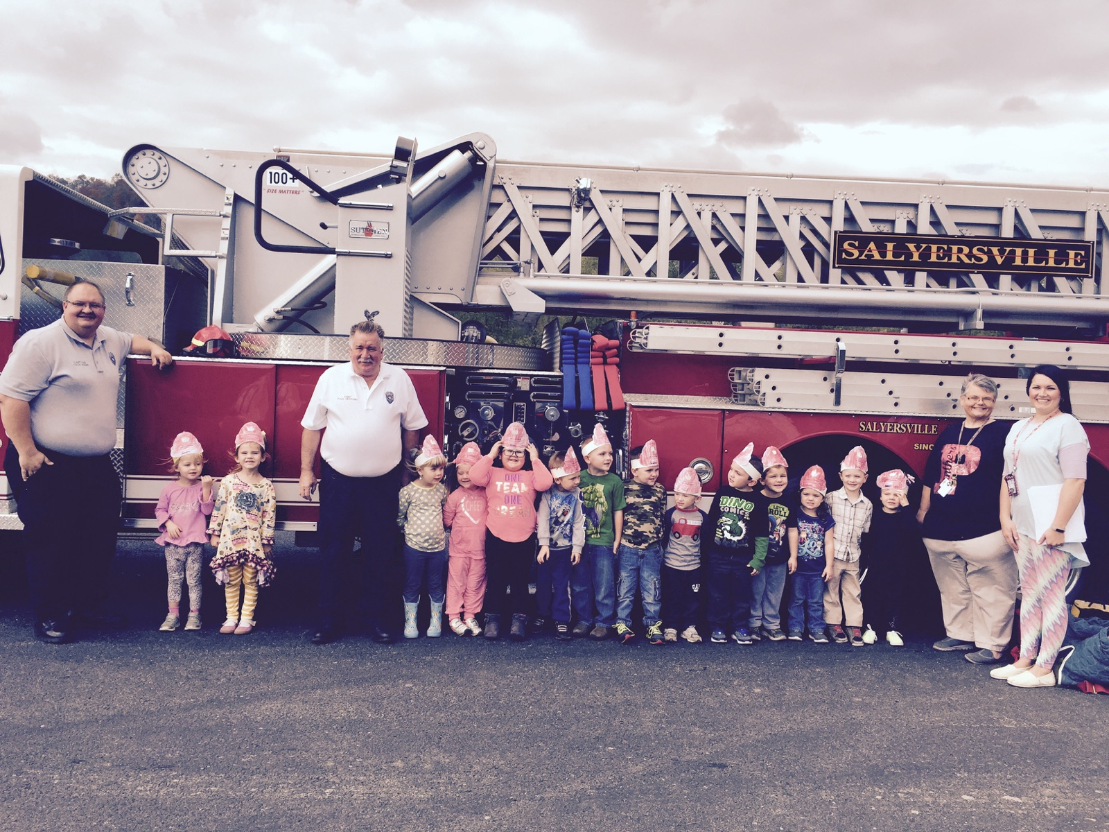 Ms. Frieda's and Mrs. Lakin's Head Start Class enjoys a visit from the Salyersville Fire Station.
